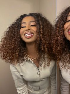 Dyed Curly Hair, Colored Curly Hair, Dyed Natural Hair, Black Curly Hair, Curly Hair Styles, Natural Hair Styles, Color On Natural Hair, 3c Hair, Baddie Hairstyles