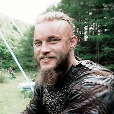 My favourite Travis Fimmel gif ever!!! LOL https://plus.google.com/communities/100681266945249733824