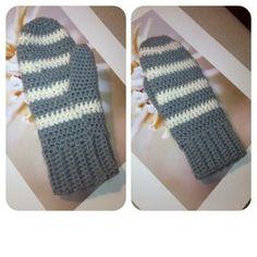 Virkade vantar Diy Crochet, Crochet Baby, Crochet Pattern, Crochet Wrist Warmers, Arm Warmers, Fingerless Mittens, Chrochet, Crochet Clothes, Diy And Crafts