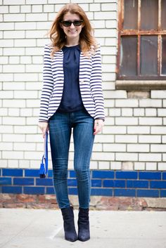 Outfit: Elizabeth Mckay Striped Blazer Source by prettyandfun design Striped Blazer Outfit, Blazer Outfits, Fall Outfits, Blazer Jeans, Work Outfits, Skinny Chinos, Green Skinny Jeans, Smart Casual Outfit, Business Casual Outfits