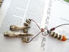 Poussières De Dunes ... : collier ethnique tribal avec céramiques artisanales .... : Collier par les-reves-de-minsy