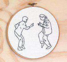Y por último, existe esto, para los fans de Pulp Fiction. | 18 Bordados que querrás para decorar tu vida