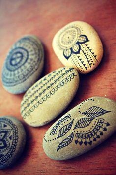 POUR LAUREN Encre de Chine Zen Stones par seafieldandtribe sur Etsy