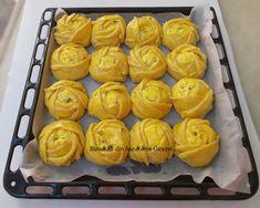 Trandafirasi cu branza dulce si stafide - Bunătăți din bucătăria Gicuței Cooking Recipes, Desserts, Food, Tailgate Desserts, Deserts, Chef Recipes, Essen, Postres, Dessert