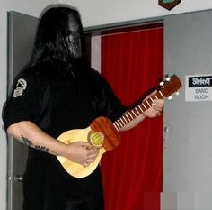 Mick playing a Cuatro backstage Nu Metal, Jay Weinberg, Slipknot Band, Craig Jones, Mick Thomson, Chris Fehn, Sid Wilson, Band Rooms, Paul Gray