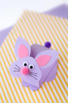 Kids of all ages will love this easy and fun bobbling bunny craft. Perfect for spring! via @https://www.pinterest.com/fireflymudpie/