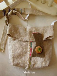 Hobo Bag Patterns, Diy Bags Purses, Denim Crafts, Boho Bags, Craft Bags, Linen Bag, Denim Bag, Fabric Bags, Cotton Bag