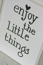 Kiz Canvas - Enjoy the little....