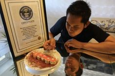 World's Most Expensive Sushi Is Made With Edible Gold, Diamonds, and Pearls - Money Inc Most Expensive Food, Expensive Taste, Sushi Wrap, Sushi Dishes, Sushi Chef, Dinner Options, Sushi Rolls, Food Items, A Food