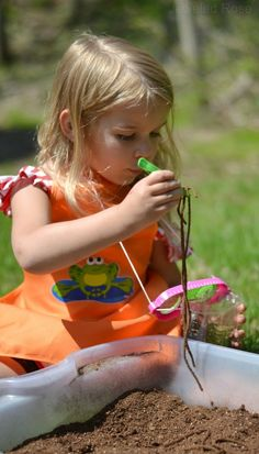 "Digging for ""worms"" - a fun activity that will have the kids laughing and screeching- use rubberbands instead of spaghetti"