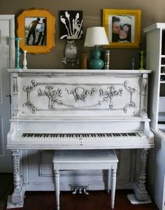I need to find myself a vintage piano and give it a home...