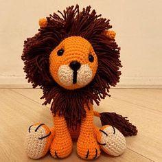 Juliana Pitorri added a photo of their purchase Lion Crochet, Crochet Giraffe Pattern, Crochet Patterns Amigurumi, Crochet Toys, Patron Crochet, Crochet Granny Square Afghan, Amigurumi Tutorial, Crochet Hook Sizes, Crochet Basics