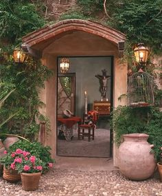 Love this entry to the former home of the late Marcia Bland Brown, Hacienda Molino de Agua, San Miguel de Allende
