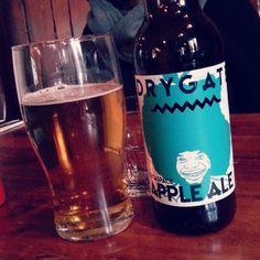 Delicious vegan-friendly beer at @the78glasgow. Brewed in Glasgow too by @drygatebrewingco! #VeganInScotland #vegantravel #apple #ale #glasgow #beer #scotland #vegan