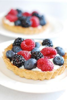 Berry Tartlets with Creamy Kefir Filling