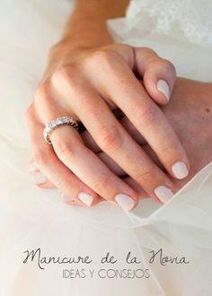 Manicure de la #Novia: Ideas y Consejos para que tus manos luzcan hermosas el día de tu #Boda |  #uñas #uñasdenovia