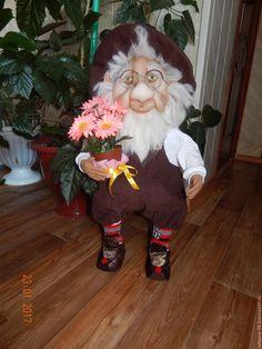 Купить Гном Садовник - коричневый, гномы, гномы из капрона, текстильные куклы, для интерьера, синтепон, капрон