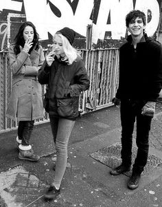 Kaya Scodelario, Lily Loveless n Luke Pasqualino Effy And Freddie, Freddie From Skins, Lily Loveless, Divas, Birthday Presents For Men, Luke Pasqualino, Skins Uk, Idole, Kaya Scodelario