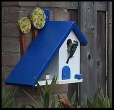 Decorative Bird Houses, Bird Houses Painted, Bird Houses Diy, Diy Home Crafts, Wood Crafts, Bird House Plans Free, Modern Birdhouses, Homemade Bird Houses, Bird House Feeder