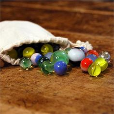 Children can make triangle, square, or name with marbles. Children also can use their fine motor skills, for example, counting the marbles from one bowl to another bowl. Games For Kids, Games To Play, Abc Games, Marble Games, Backyard Games, Backyard Ideas, Marble Art, Glass Marbles, Glass Paperweights