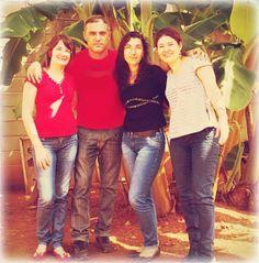 Eu entre as professoras Silvia Bacchin, Má Toledo e Sirley Sophia.