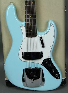 Fender Jazz Bass in Daphne Blue