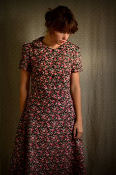Peter Pan Collar Retro Dress size 6 / small by LetsBacktrack, $72.00