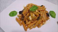 Receita de macarrão penne com berinjela frita, molho de tomate e mussarela