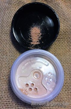 Elisa - Nuvole di Bellezza: Amazingy - Recensione HIRO Cosmetics- Mineral Foundation, Flat Top Foundation Brush, Kahina Giving Beauty Argan Oil