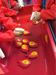 Sensory fun with fire safety theme: we made little flames out of fun foam and… Preschool Themes, Preschool Classroom, Fire Safety Week, Preschool Fire Safety, Fire Safety Crafts, Kids Safety, Safety Tips, Fire Prevention Week, People Who Help Us
