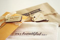 Packaging, with natural textures and materials