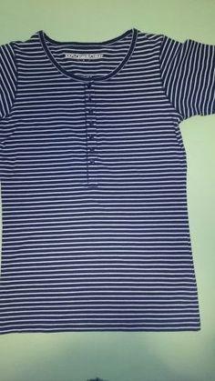 Dames t-shirts gestreept donker blauw of grijs Maat S  100 % bio katoen Te koop € 10,00 of te huur