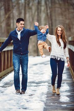 How He Asked: The Cutest One-Year-Old Helps Dad Propose to His Mom - Fall/Winter Family Outfit Inspiration - Photography : Gilded Light Photography Read More on SMP: www.