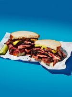 Katz's Deli's pastrami on rye, Little Muenster's french onion grilled cheese, and more of the most New York sandwiches, ever. Club Sandwich Recipes, Deli Sandwiches, Pastrami Sandwich, Whats For Lunch, New York, Nyc, French Onion, Base Foods, Street Food