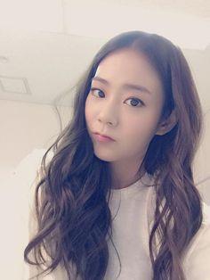 Kpop Girl Groups, Kpop Girls, Seungyeon Kara, Han Seung Yeon, Kim Sang, Photo P, Serious Relationship, Best Face Products, Pretty Woman