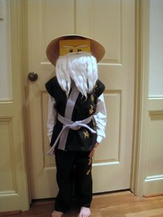 Sensei Wu DIY costume (lego ninjago) for kaden Halloween Games, Diy Halloween Costumes, Halloween Kids, Costume Ideas, Ninjago Party, Lego Ninjago, Lego Costume, Favorite Holiday, Diy For Kids