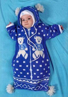 Gigoteuse à capuche - modèle en russe mais réalisable en suivantt les diagrammes jacquard - Конверт спицами для новорожденного Knitting For Kids, Baby Knitting, Baby Blanket Crochet, Crochet Baby, Baby Overalls, Baby Bunting, Baby Cocoon, Baby Music, Baby Sweaters