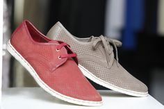 A leading store for online shoes in India. Our online footwear range includes top Indian and International Shoe Brands. We offer best Shoes for Men