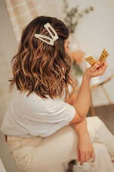 Ways to Treat Damaged Hair - How to Treat Damaged Hair. If your hair has a dull color, is frizzy and dried out, or breaks easily at the tips, you have damaged hair. Having damaged hair can .>>> More ideas could be found at the image url. Growing Out Short Hair Styles, Curly Hair Styles, Hair Barrettes, Hair Clips, Clip Hairstyles, Hairstyle Ideas, Bridal Hairstyle, Short Hairstyle, Woman Hairstyles