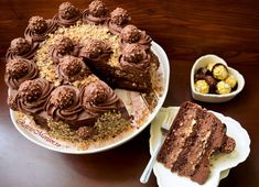 Tort Ferrero Rocher cu nutella și alune de pădure Ferrero Rocher, Nutella, French Toast, Candy, Breakfast, Desserts, Food, Morning Coffee, Tailgate Desserts