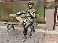 Памятник Остапу Бендеру. Харьков. Украина.