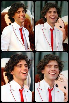 :):D:) Mika smiling!!