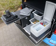 Reimo - Campingbox L for VW vans and estate cars Minivan Camping, Truck Bed Camping, Truck Tailgate, Vw T5, Mini Camper, Vw Camper, Camper Trailers, Camping Kitchen Set Up, Camper Van Kitchen