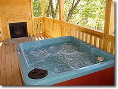 Bearly Rustic in Gatlinburg, Tennessee: Hot Tub and Gas Fireplace