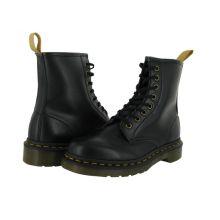 8 Eye Boot from Dr. Martens; $125 #vegan #veganshoes