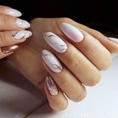 18 Beautiful White Nails Designs for Every Day ★ Marble Patterns on White Nails Picture 1 ★ See more: http://glaminati.com/white-nails-designs/ #whitenails #whitenailsdesigns