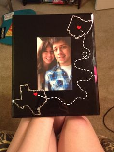 Easy, DIY photo frame - great gift for long distance relationships (or for your family & friends if you move away). All you need is paint pens!