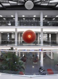 UniCredit Agenzia FlagShip Treviso P.za Aldo Moro - Bank Design - Un progetto di Brunello Sighinolfi Architettura della comunicazione www.sighinolfi.com