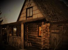 Small Log Cabin, Log Cabins, House Styles, Wood, Life, Home Decor, Doors, Decoration Home, Woodwind Instrument