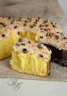 torta colomba al limone Italian Cake, Italian Desserts, Italian Recipes, Italian Pastries, Bread And Pastries, Russian Cakes, Lime Cake, Specialty Cakes, Sweet And Salty